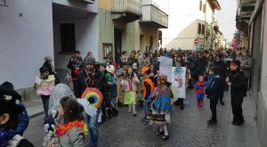 S.Antonino: i colori del Carnevale invadono le vie del paese
