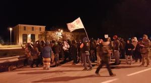 S.Didero: blitz della polizia all'autoporto, in corso lo sgombero del presidio No Tav