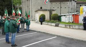 Vaie: l'onore ai caduti per i 90 anni del gruppo Alpini