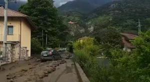 Bussoleno: frana la montagna, auto distrutte e famiglie evacuate
