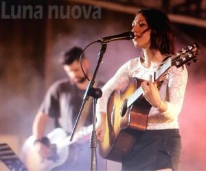 Orbassano: artisti in concerto sul palco sotto casa. Lo show piace e cerca nuove piazze