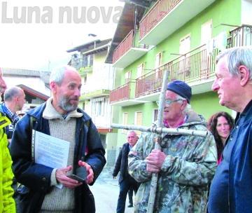 Don Ciotti guida la Via Crucis verso il cantiere di Chiomonte