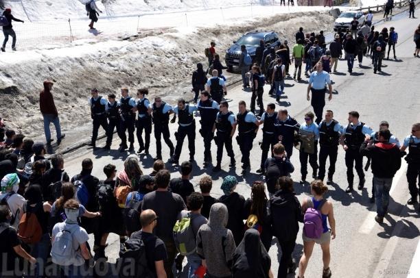 Migranti, i due volti opposti dell'alta valle
