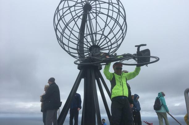 Giandonato Bava conquista di Capo Nord: 4500 chilometri a 77 anni